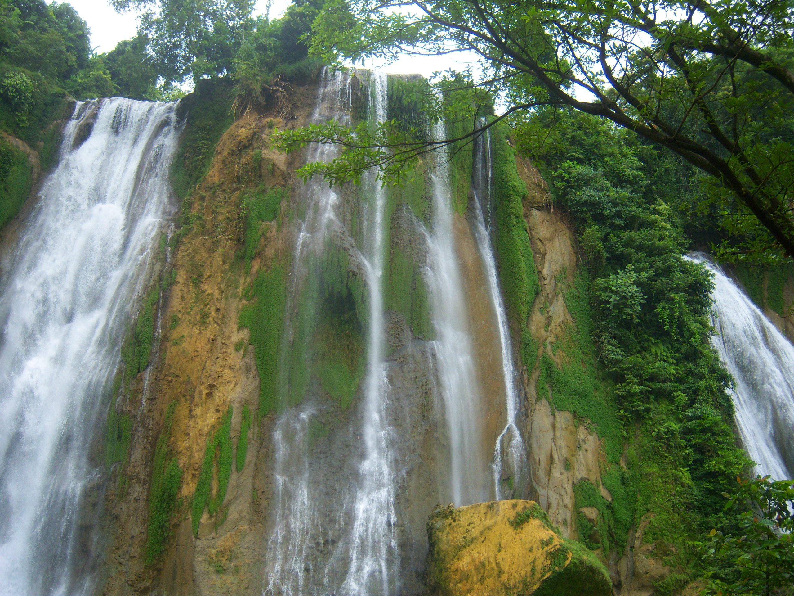 cikaso waterfall Indonesia